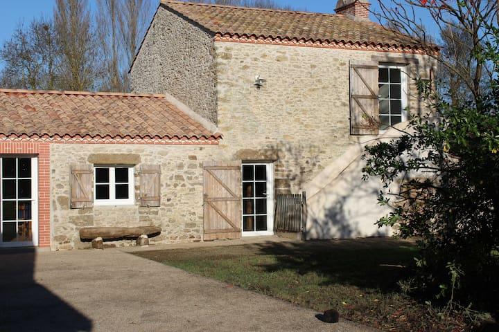 Le Hameau du petit Essard - Machecoul - Huis