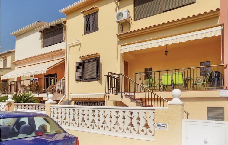 Holiday apartment with 2 bedrooms on 60 m² in Oliva