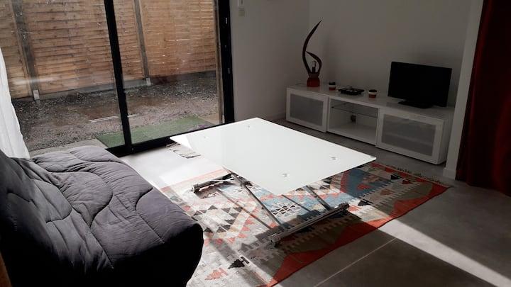 Studio avec jardinet vannes centre