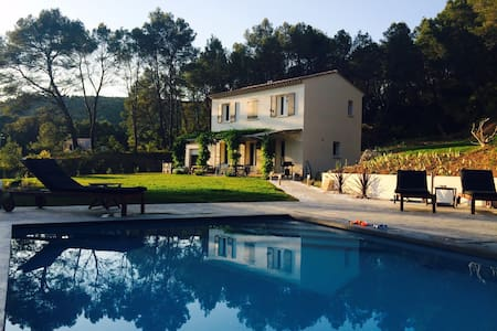 Secluded 3 bed country house with heated pool - Salernes