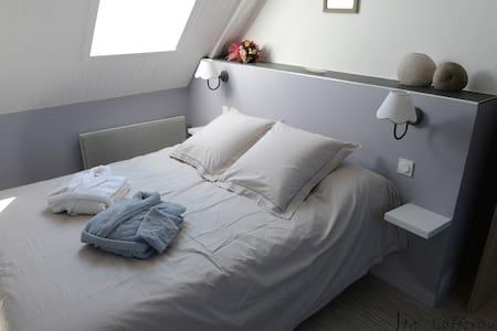 """Chambre """"ROMANCE"""" - Escoubès-Pouts - Dům pro hosty"""