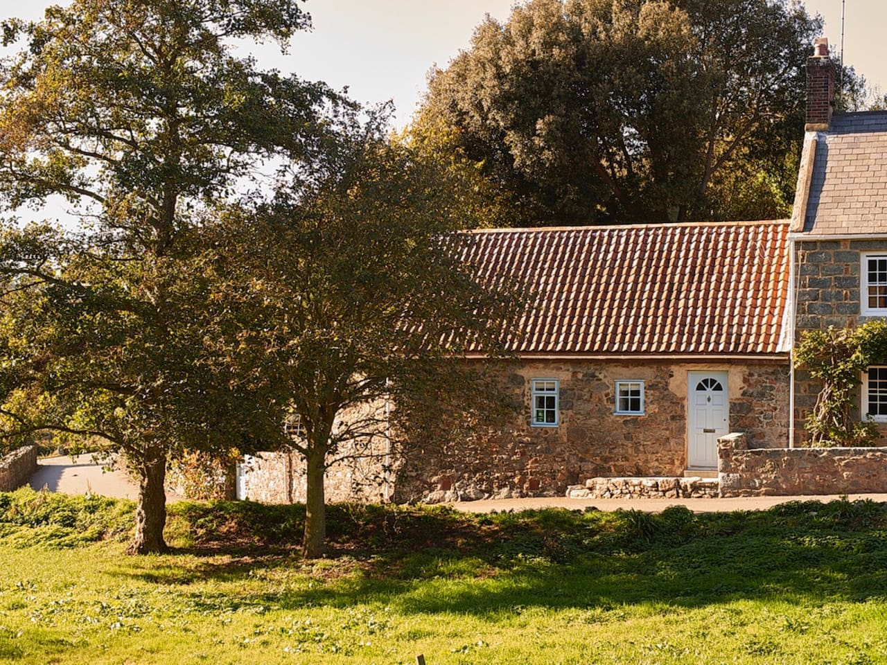 "The cottage is situated in a quiet lane on the ""Ruette Tranquilles"" network in the heart of rural Torteval."