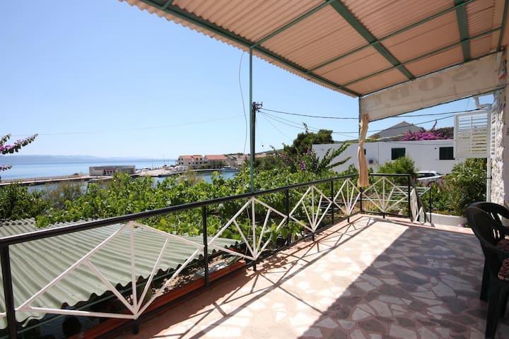 Pokój przy plaży Sucuraj (Hvar) (S-6734-b)