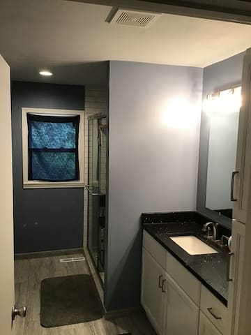View from hallway into bathroom.