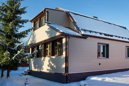 Простые уютные два дома у Москвы и Зеленограда - Общественник-90 Снт - Hus