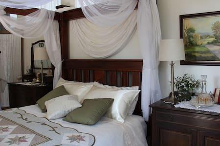 Treetop Room, Whispering Pines Bed & Breakfast
