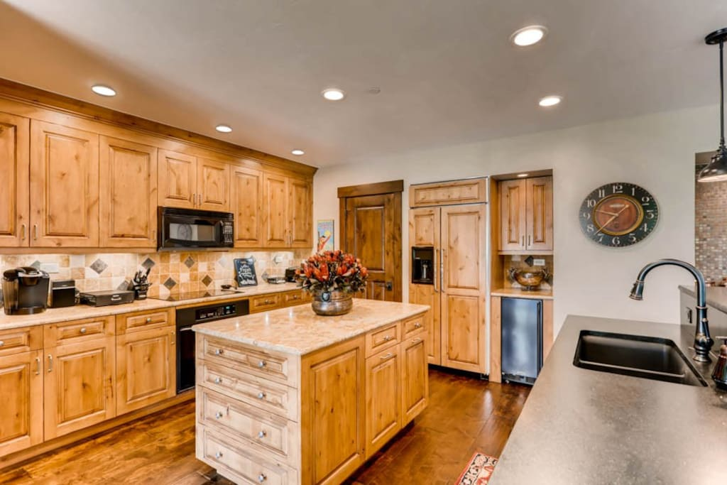 Spacious Brand New Kitchen -   VAILBUTLER