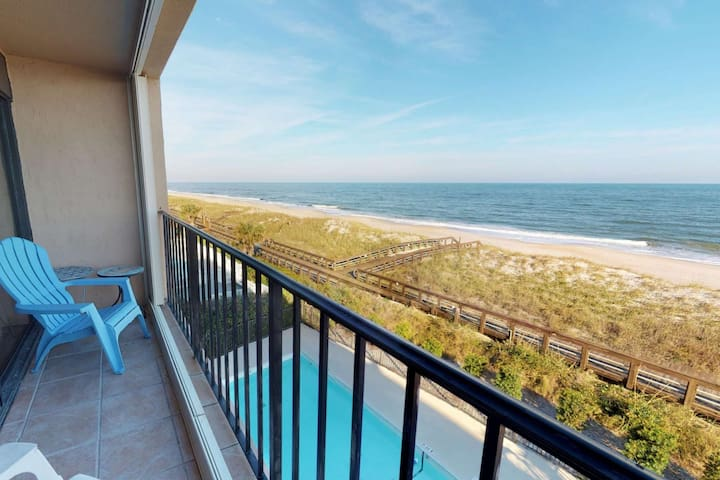Amazing Oceanfront Views from the 3rd Floor - Cabana Del Mar private beach access will be yours!