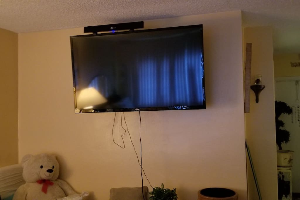Flat screen television to watch all your favorite tv shows on while you're here