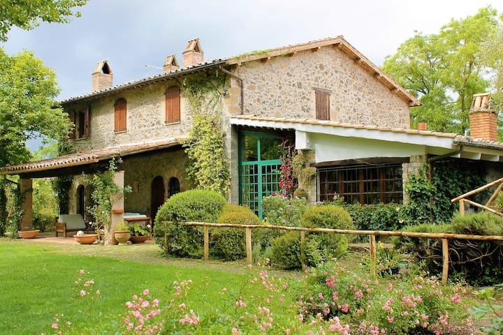 Great Villa with swimming pool surrounded by green - Orvieto - Villa
