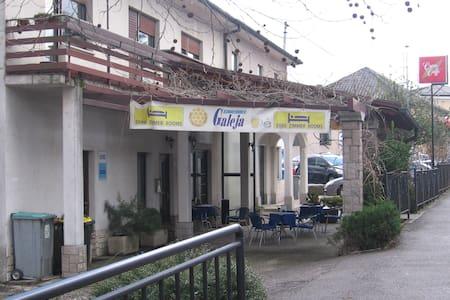 Hiša v centru mesta Ilirska Bistrica - Bed & Breakfast