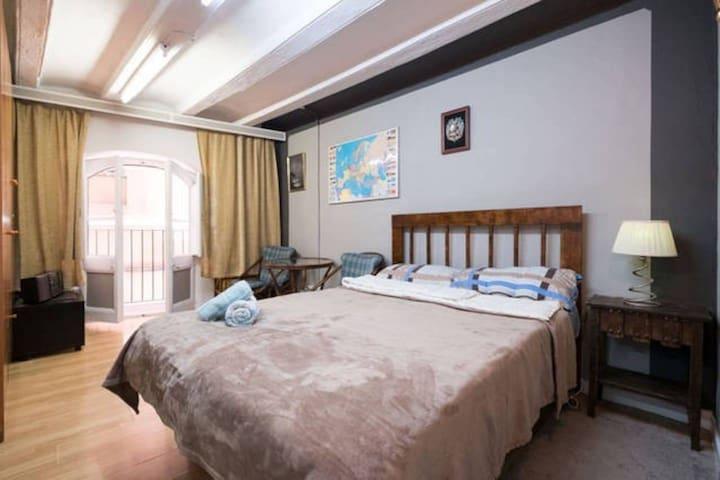 Dos habitaciones en Barcelona de área Born!
