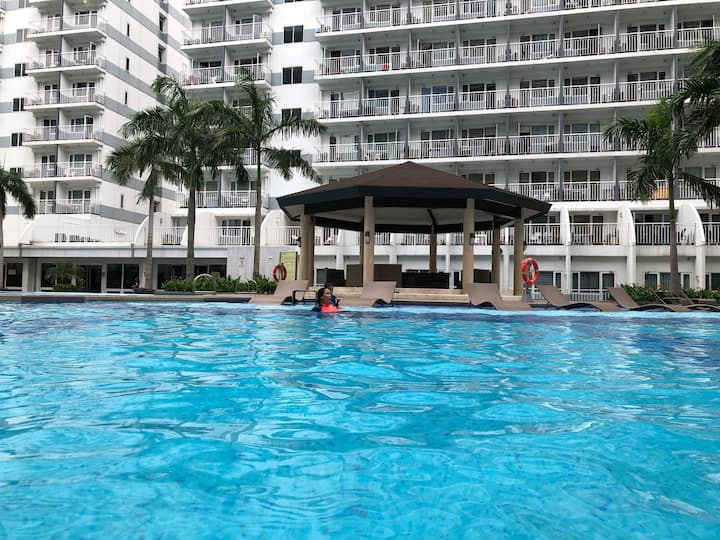 9th pool view Shell residences Mall of Asia Pasay