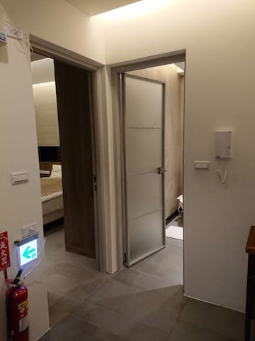 Private shower room next to bedroom