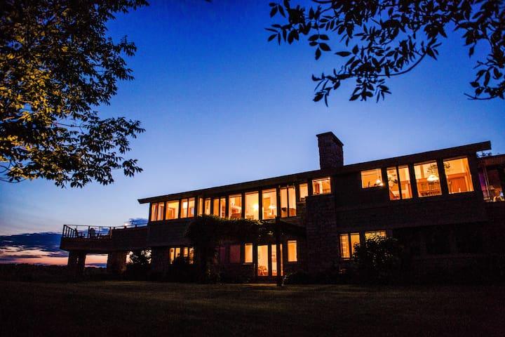 Prairie House on Sinissippi Lake