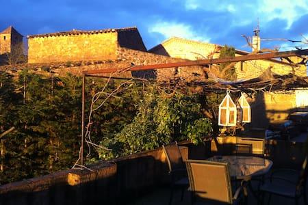 Casa con jardín para disfrutar del Empordà - Ullastret