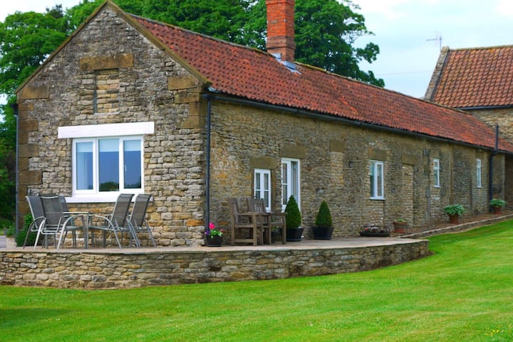 Laura's Cottage.  Self Catering, 5 Star Gold Award