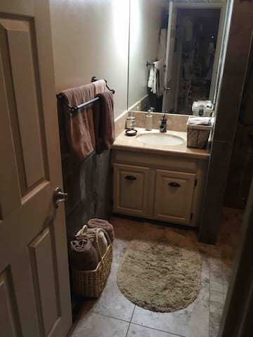 2nd bathroom with walk in shower available on upper level by request.