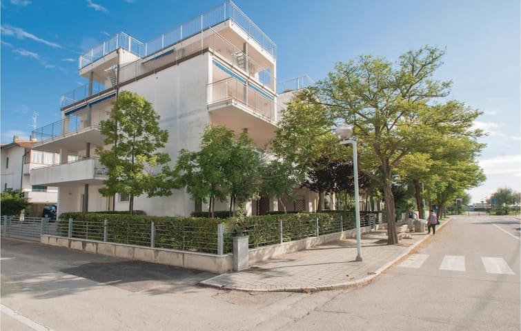 Holiday apartment with 1 bedroom on 46m² in Lido di Dante -RA-