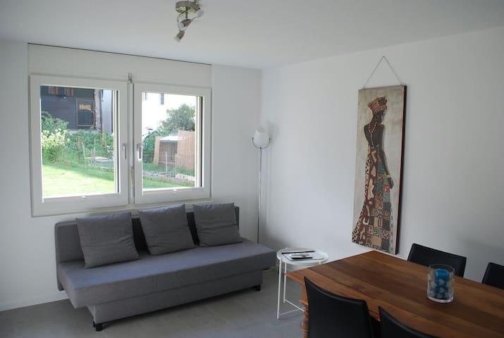 Schöne neue 2 Zimmer Wohnung
