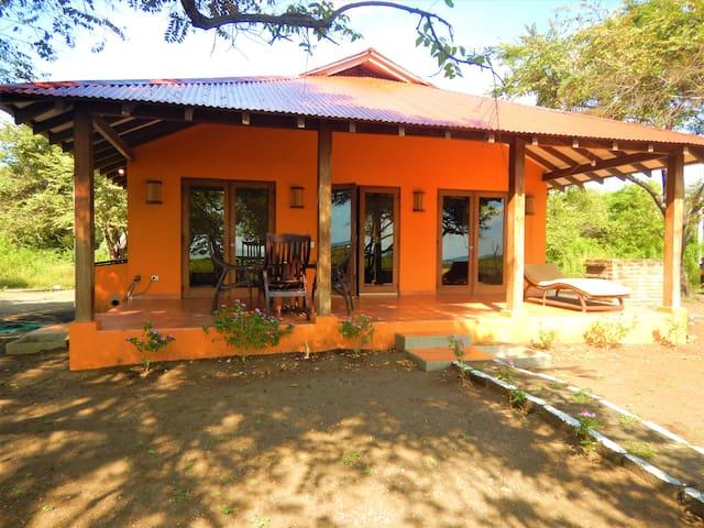 Playa Tesoro Casa Naranja