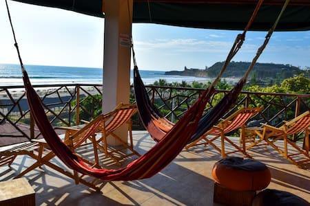 BED & BREAKFAST BEACH SIDE Ocean Views - ESPERANTO
