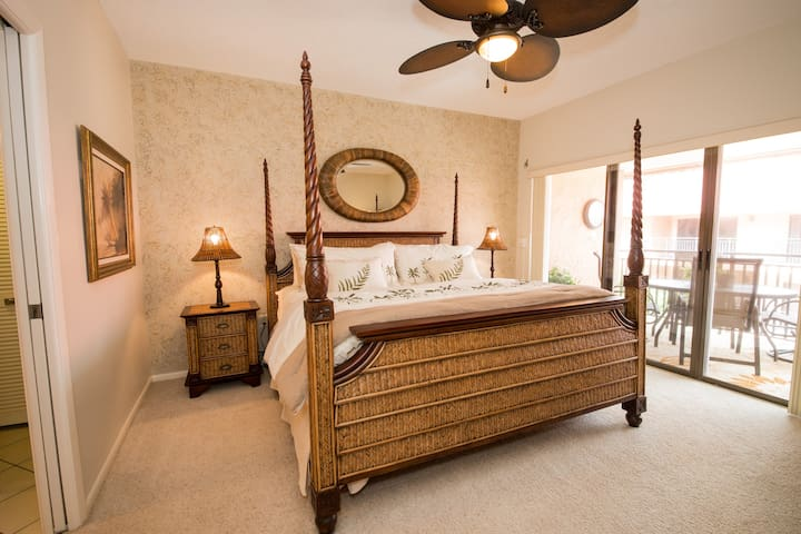 Master Bedroom, Pic.1 King Size Bed