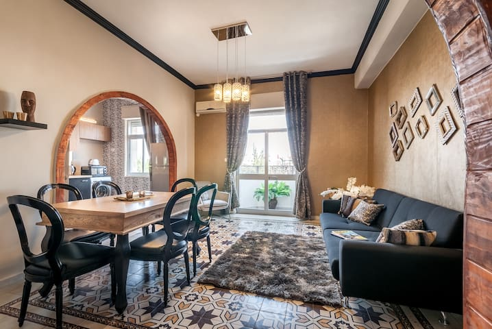 BBA - Huge 2BR in King George 14