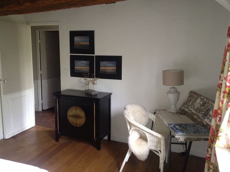 chambre salle de bain priv e maisons louer tours centre france. Black Bedroom Furniture Sets. Home Design Ideas