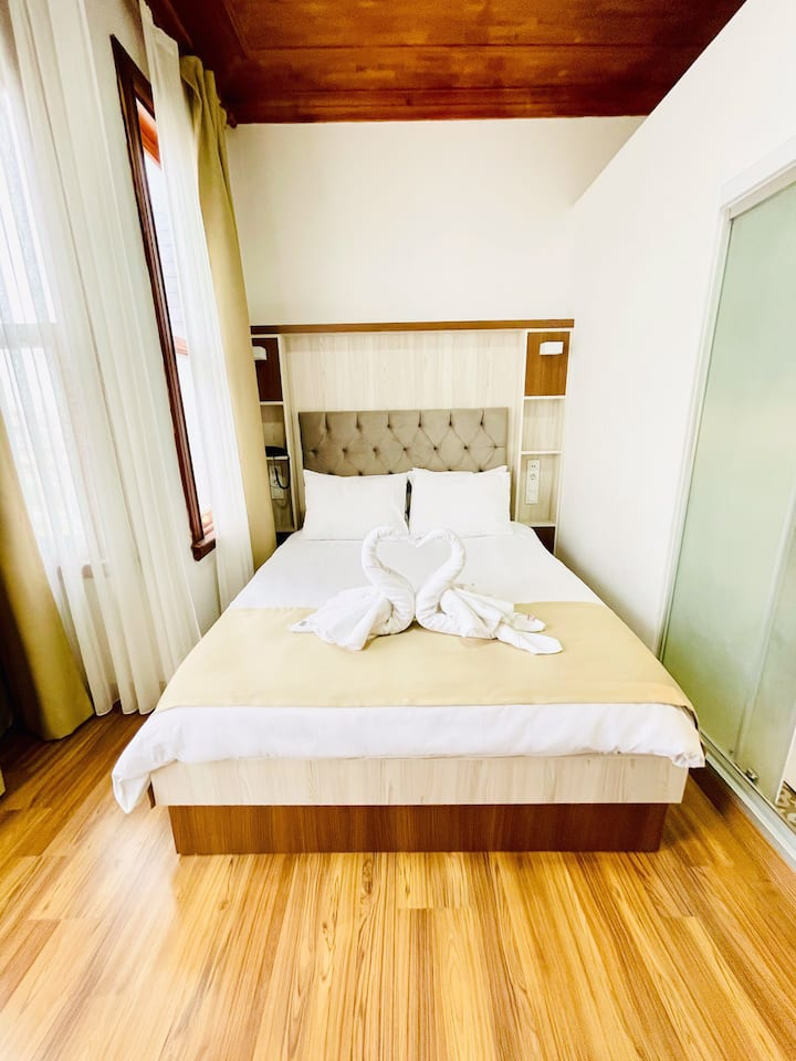 Double room with walking distance to Hagia Sophia