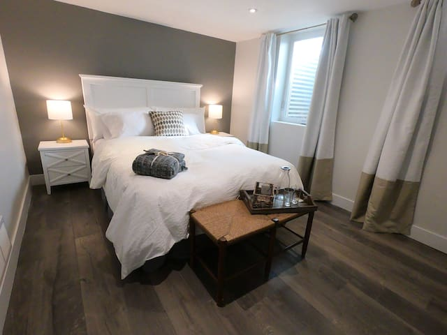 Superb Basement Apartment Retreat in Prime Denver