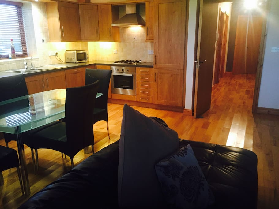 Superior 2 bed apt dundalk stadium flats for rent in for Bathrooms dundalk