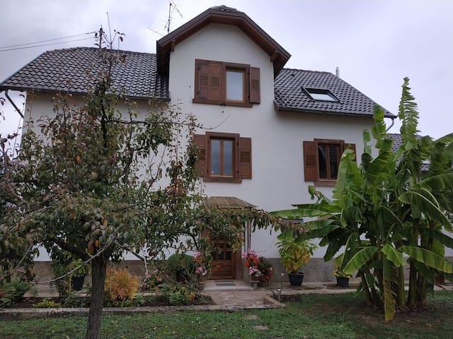 """Gite """"les Rochers"""", appartement dans maison"""