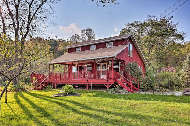 NEW! 'Hummingbird Farm' on 10 Acres near Hancock!