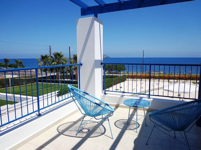 Latchi Riviera Beach Villa - Poli Crysochous