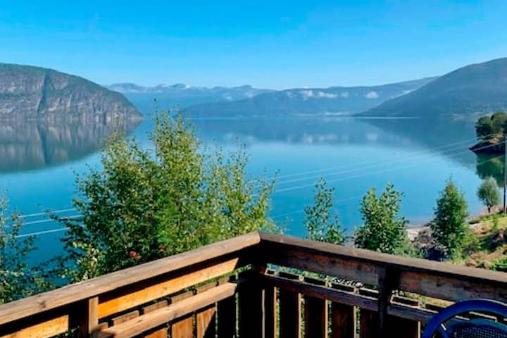 6 person holiday home in Utvik