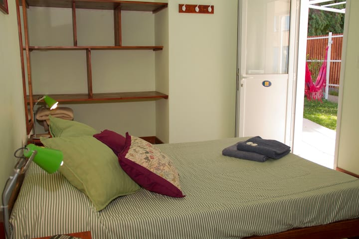 Doble Matrimonial Baño Privado- La Tosca Hostel