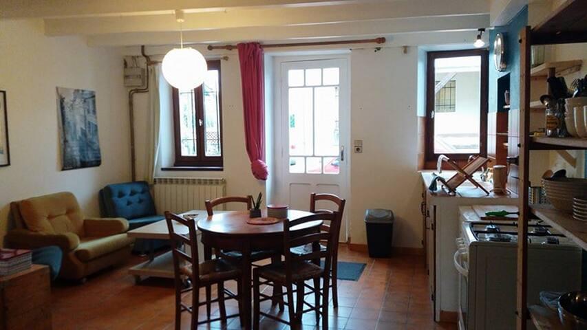 Cosy bedsit in Cadillac-sur-Garonne near Bordeaux