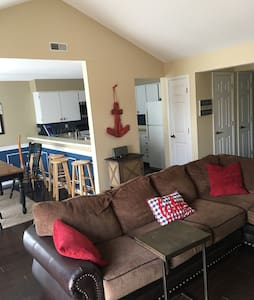 Charming condo at Geist Reservoir - Indianapolis - Apartament