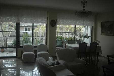 3 bedroom,145 m2 flat, close to the centre and sea - Thessaloniki - Wohnung