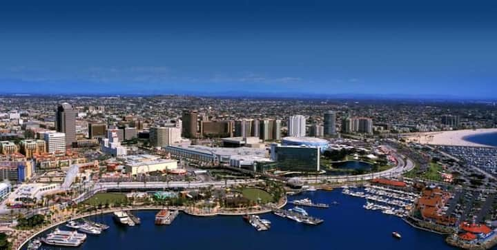 Walk to everything downtown & Beach-Ask 4 discount