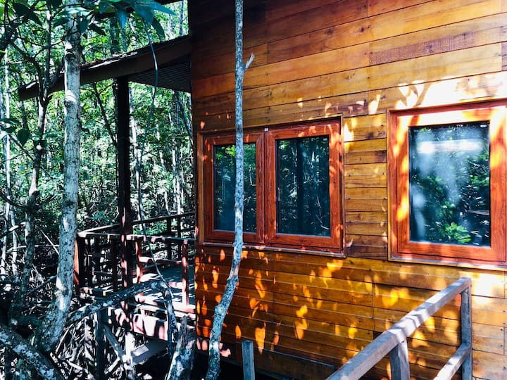 沙巴朋友家私密森林独栋木屋大床房自然生态含早餐