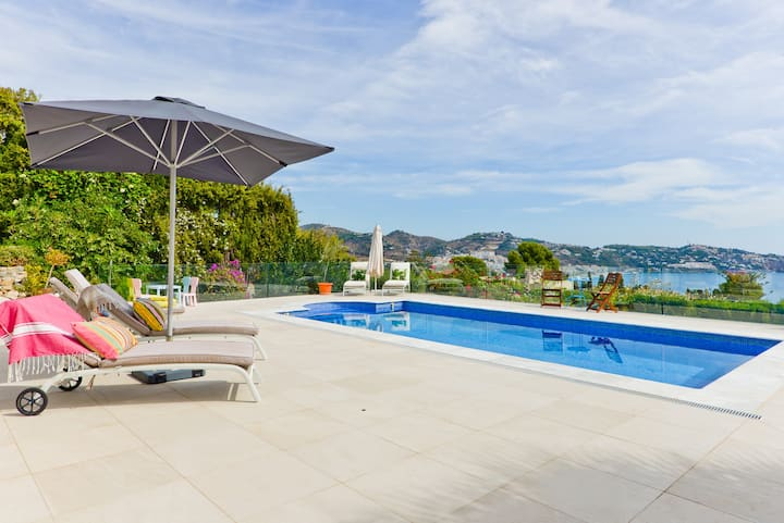 Beautiful villa in La Herradura with pool