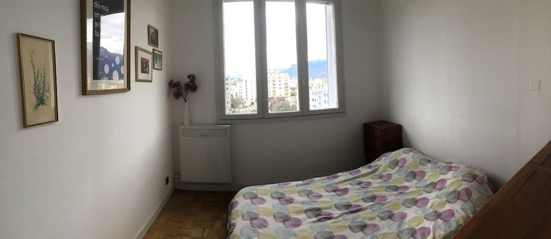 Chambre pour 2 personnes à Grenoble