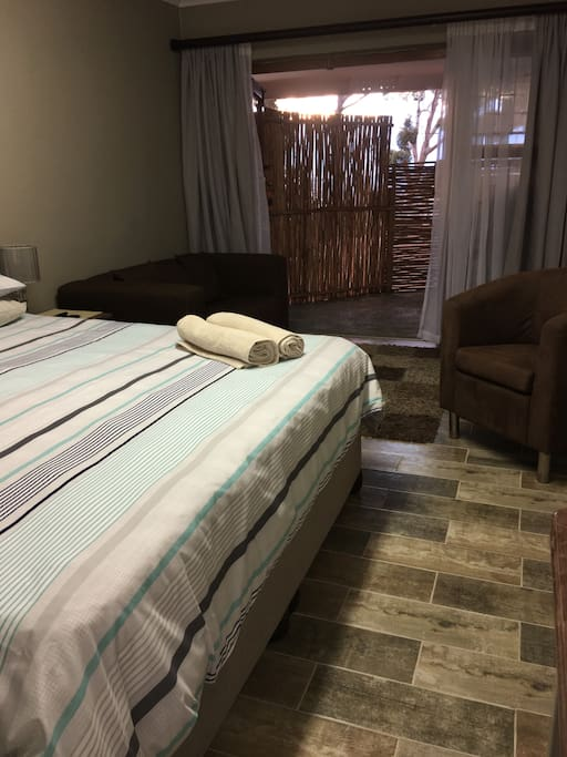 The flat has 1 bedroom with a hotel quality King size Bed, quality bedding and extra pillows. Extra blankets for the chilly nights. There is a hairdryer in the bedroom so no need to pack one in.