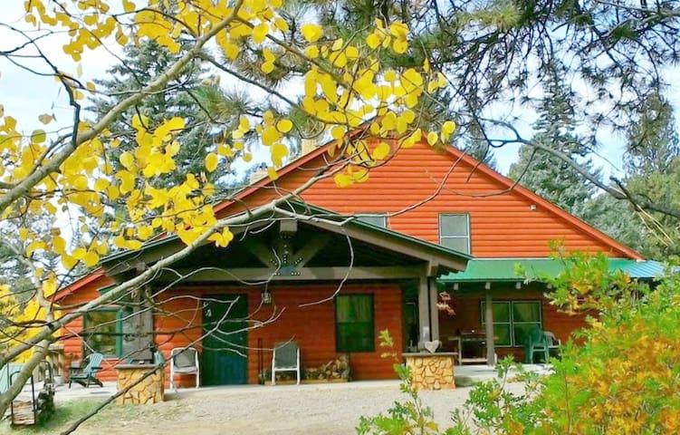 Bear Creek Mountain Lodge II - Dolores - House