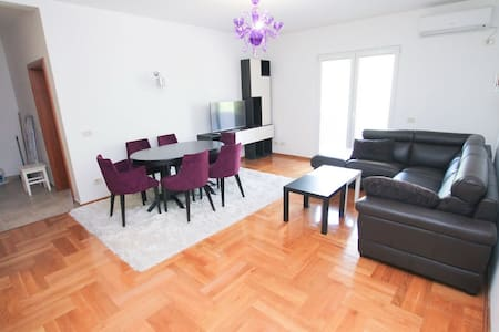 Apartment in Bonici / 150 to sea - ทิวัต - อพาร์ทเมนท์