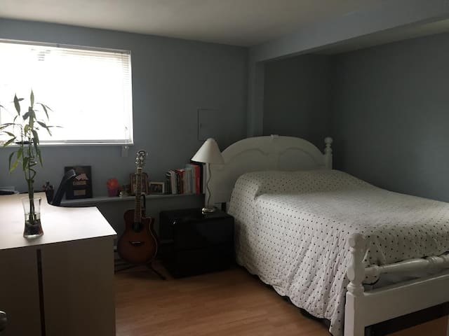 Cozy Space close to 99 - Edmonds - Apartament
