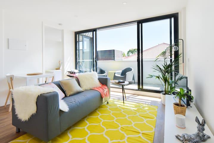 ROSE: Swan St Richmonds' Best Stay