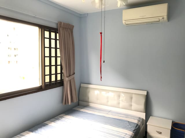 Fully furnish,clean&bright private room,v near NTU